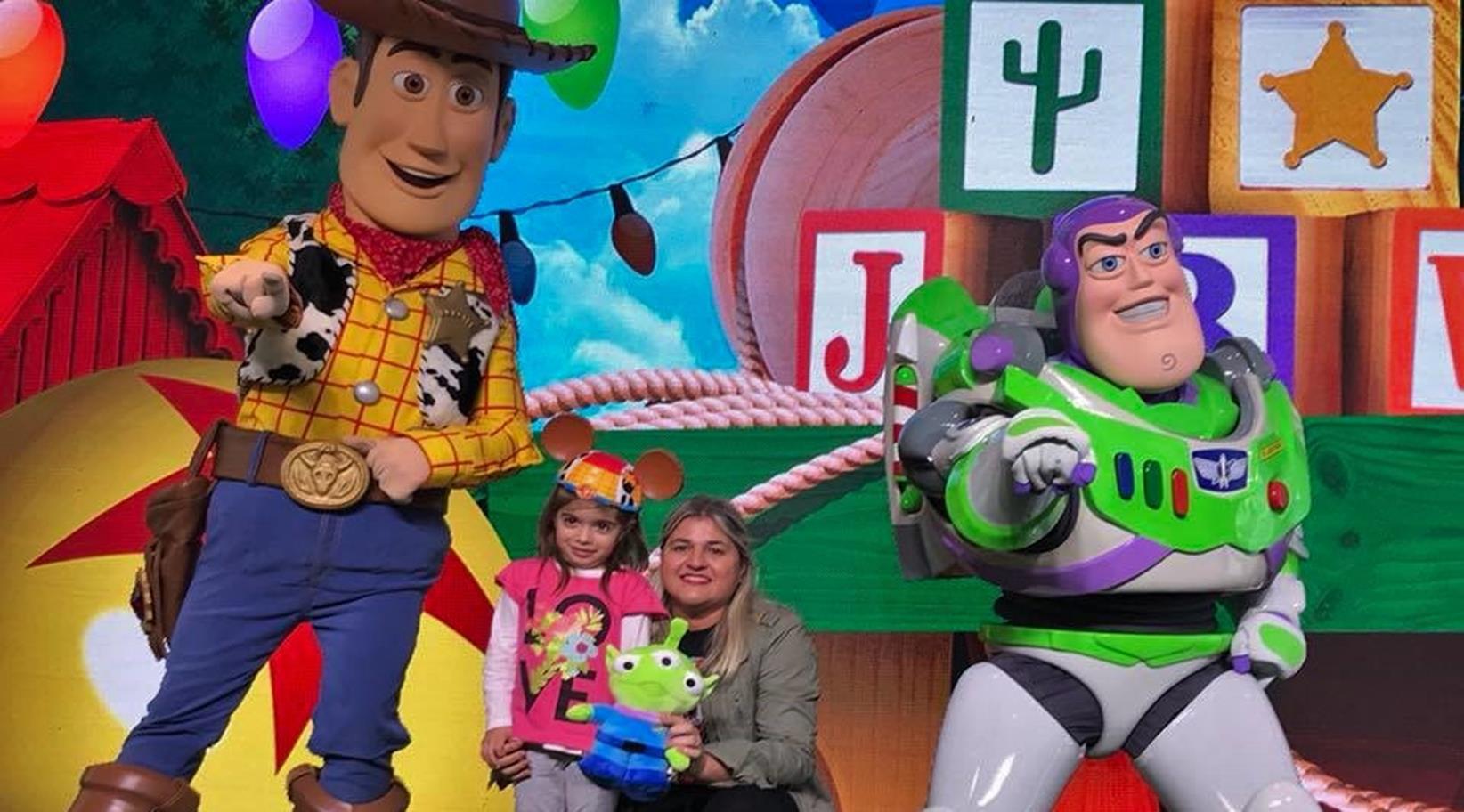 Aires Patio Toy En Buenos Se Presentó Story Land Andy De Del El 8nOkXwPN0