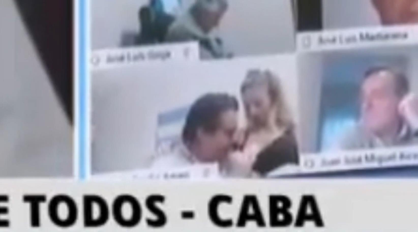 """Imputaron por """"estorbo de acto funcional"""" a Juan Ameri, el ex diputado filmado en un acto erótico en plena sesión"""