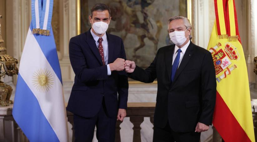 """Polémica frase de Alberto Fernández: """"los mexicanos salieron de los indios, los  brasileros salieron de la selva pero nosotros los argentinos llegamos de  los barcos de Europa""""   ABC Mundial"""